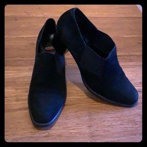 Aerosoles black suede shoes